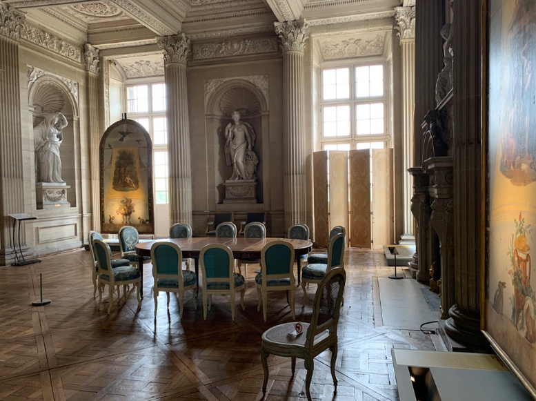 Le château de Maisons, résidence du comte d'Artois  Captu197