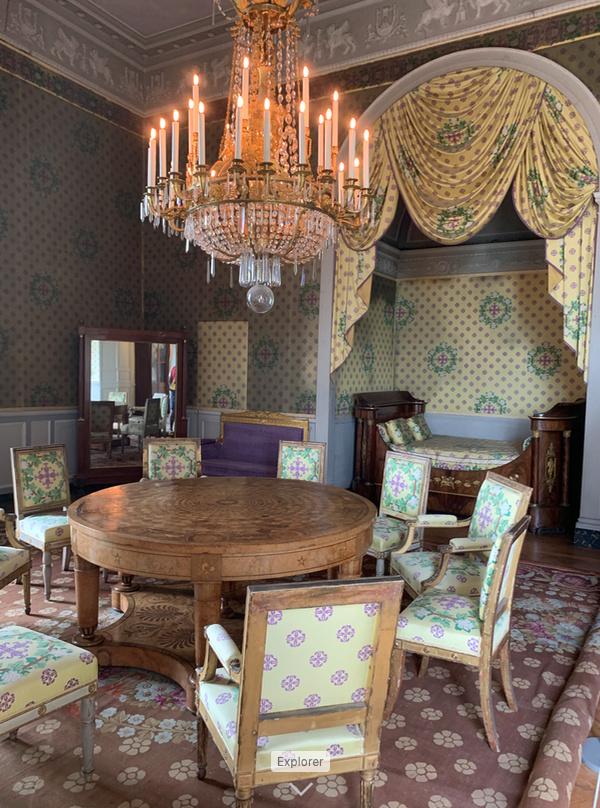 Le château de Maisons, résidence du comte d'Artois  - Page 2 Captu212