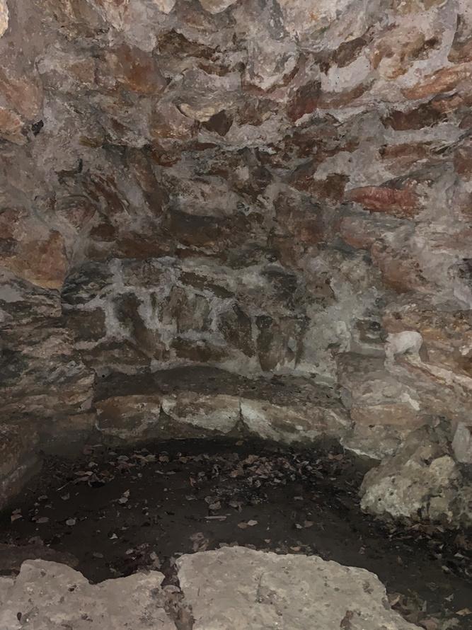grotte - La grotte du Hameau de Marie-Antoinette Captu235