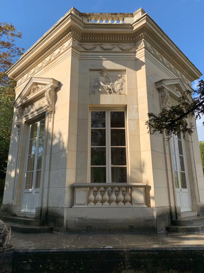 Belvédère - Le Belvédère du Petit Trianon - Page 2 Captu237