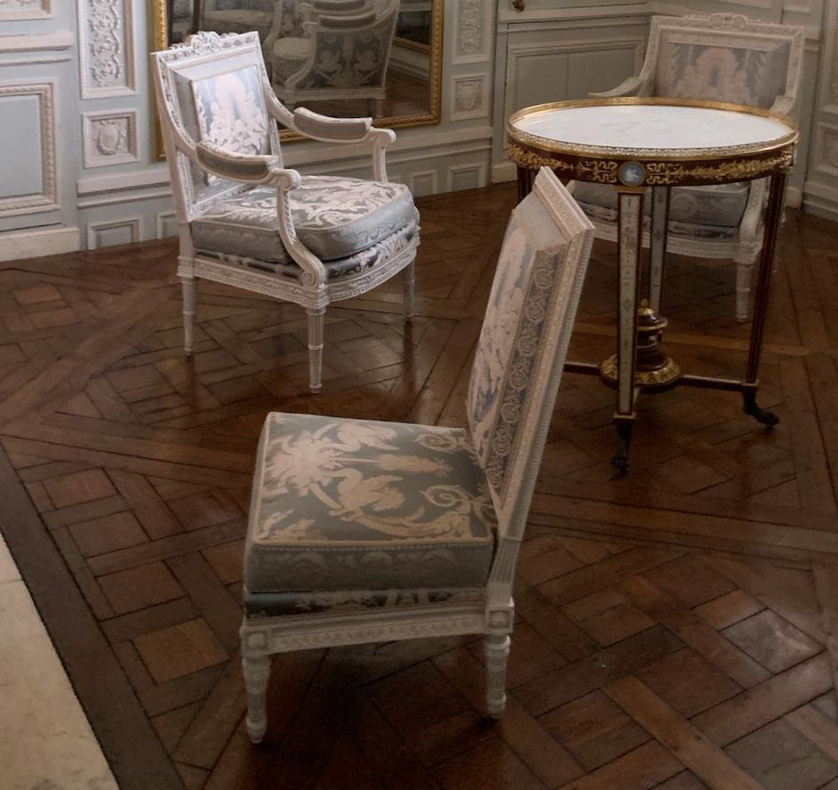 Boudoir ou Cabinet des glaces mouvantes au Petit Trianon Captu243