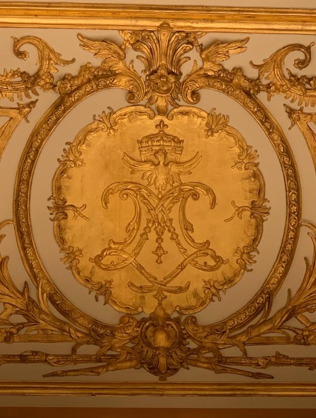 chambre - La chambre de la Reine à Versailles - Page 6 Captu332