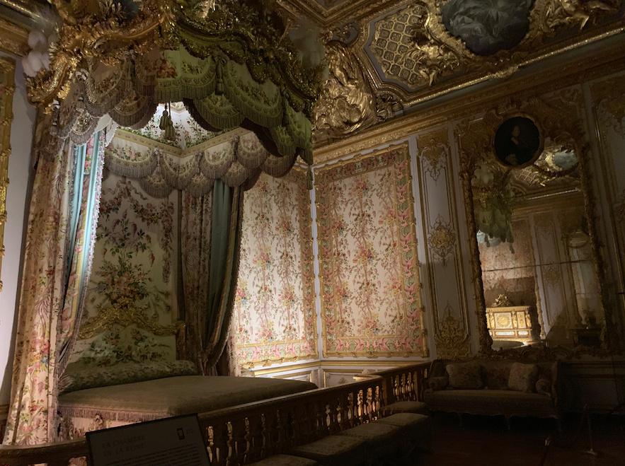 chambre - La chambre de la Reine à Versailles - Page 7 Captu345