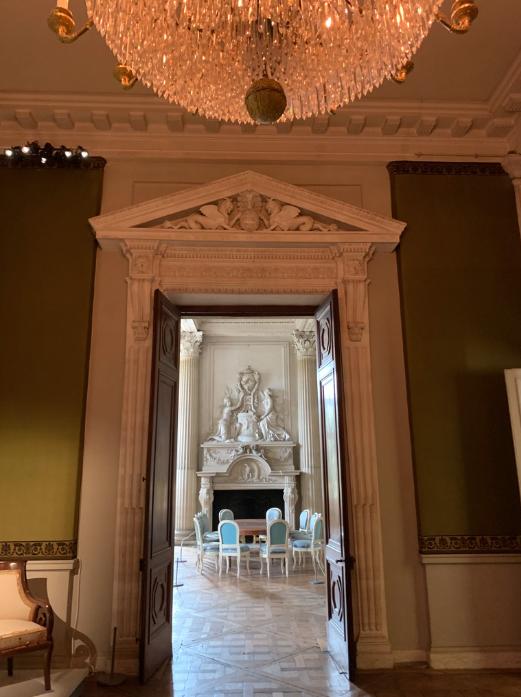 Le château de Maisons, résidence du comte d'Artois  Captu423