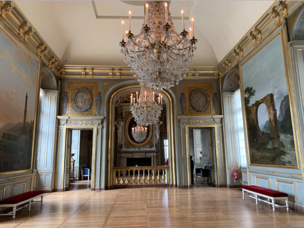 Le château de Maisons, résidence du comte d'Artois  Captu432