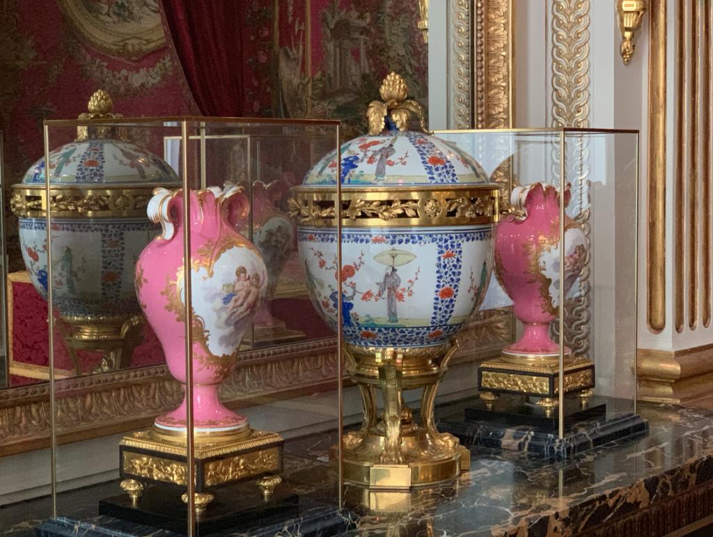 Nouvelles salles consacrées au XVIIIe siècle au Louvre - Page 21 Captu519