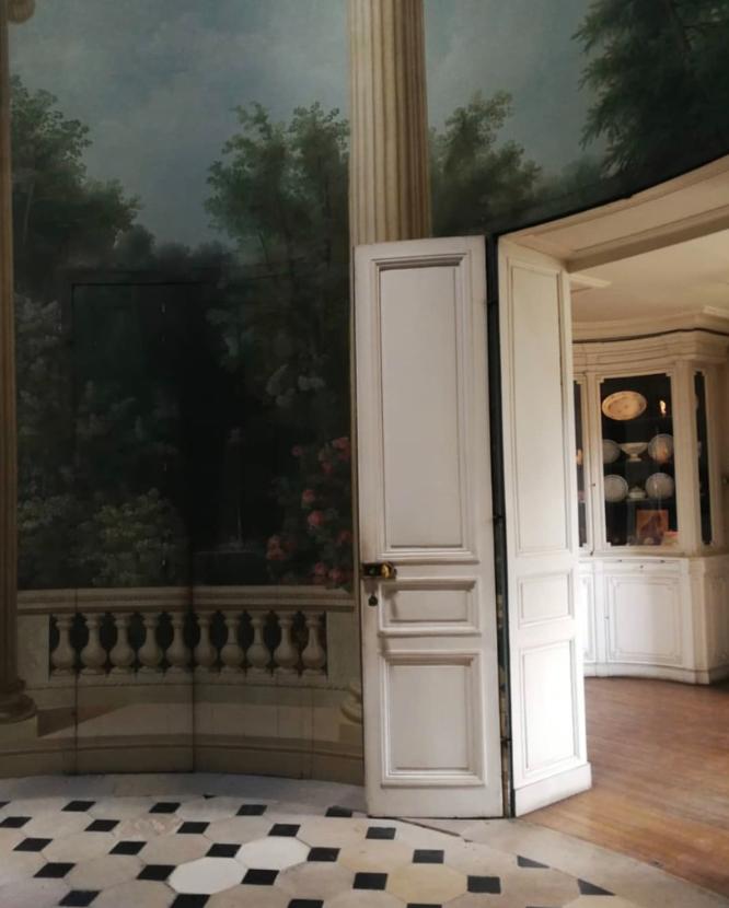 Le château de Montreuil et le pavillon de musique de Madame, comtesse de Provence - Page 2 Captu554