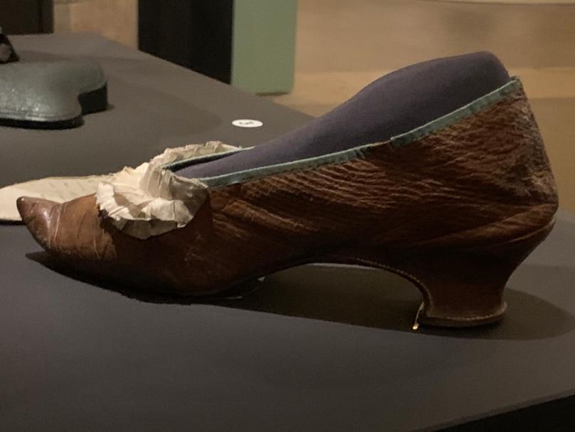 Exposition à la Conciergerie : Marie-Antoinette, métamorphoses d'une image  - Page 2 Captu600