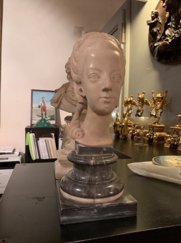 Buste de Marie-Antoinette sur piédestal dynastique, musée Cognacq Jay Captu699