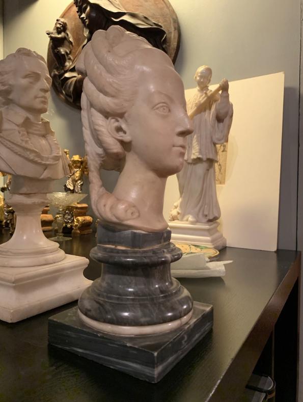 Buste de Marie-Antoinette sur piédestal dynastique, musée Cognacq Jay Captu700