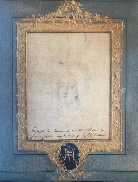 Portrait de Marie-Antoinette aux Tuileries par Duplessis-Bertaux (collection baronne de Rothschild) Captur86
