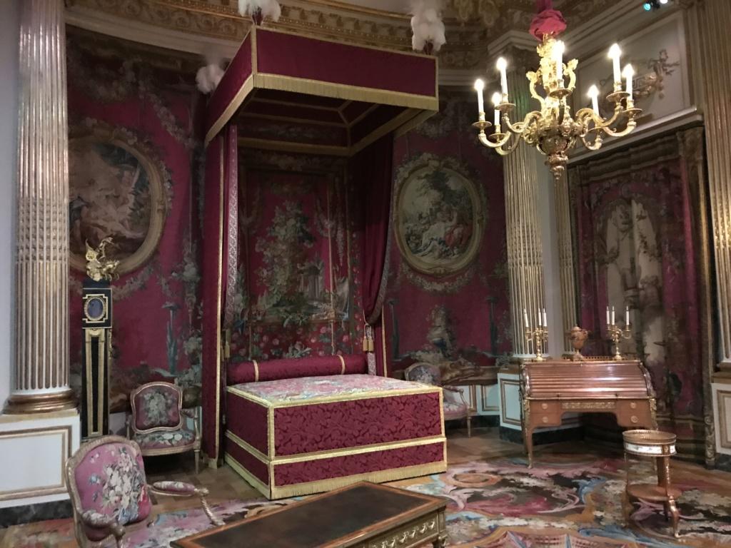 Nouvelles salles consacrées au XVIIIe siècle au Louvre - Page 21 Img_1613