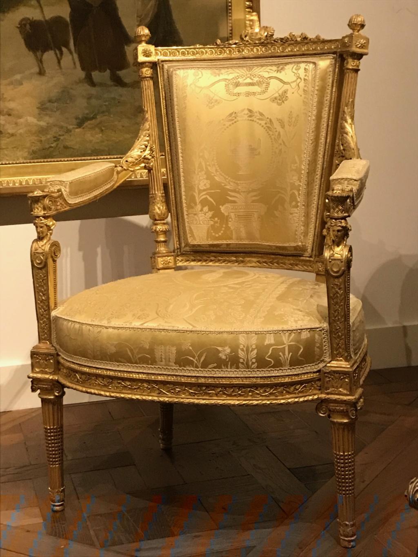 Nouvelles salles consacrées au XVIIIe siècle au Louvre - Page 21 Img_1616