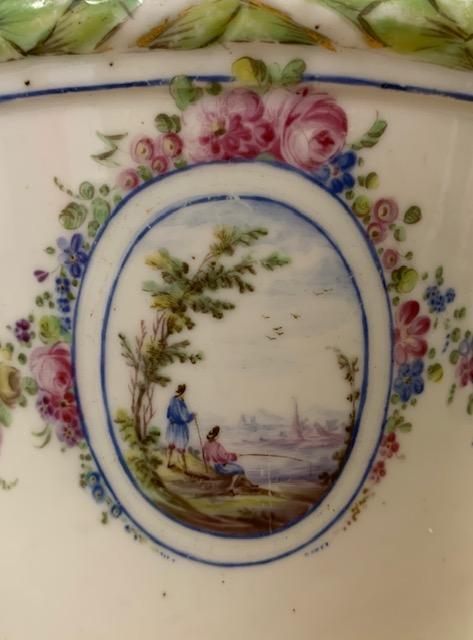 La porcelaine de Bourg-la-Reine au XVIIIème siècle  Img_9634
