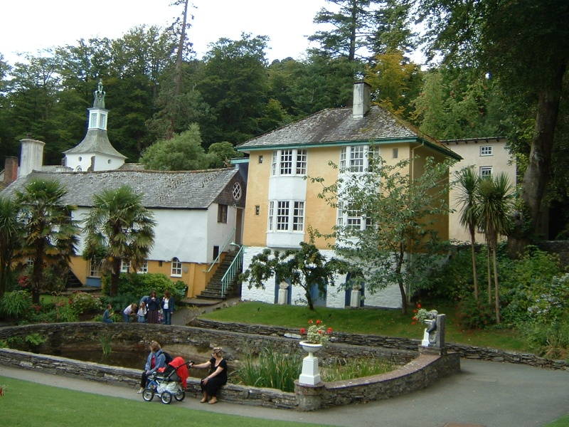 Wales, Warner's, Bodelwydan, Portmerion and Snowdon Dscf0115