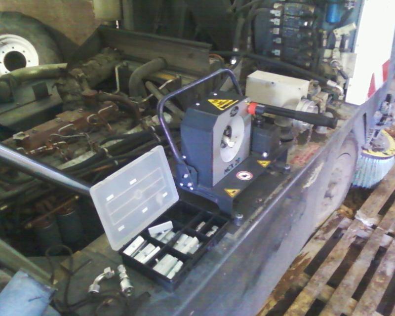 Unité transportable de sertissage des flexibles hydrauliques Photos19