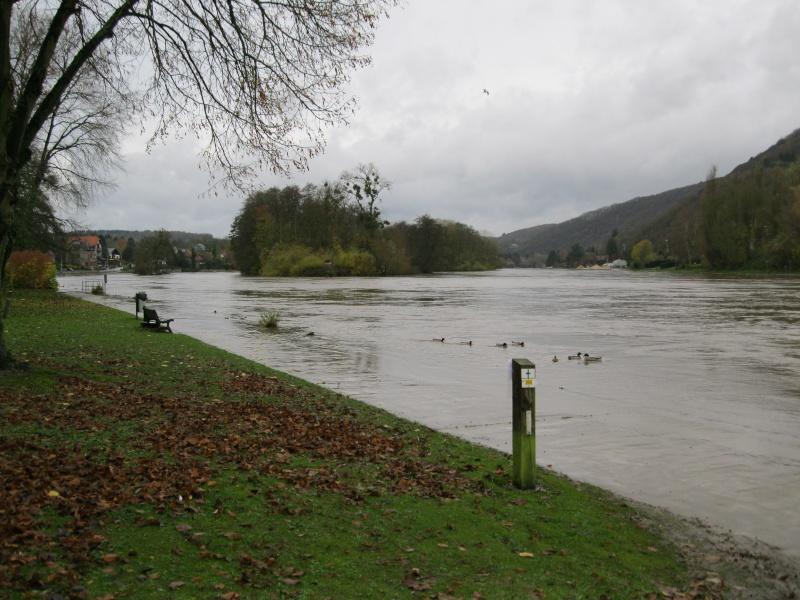 La Meuse pas loin de chez moi Img_0012
