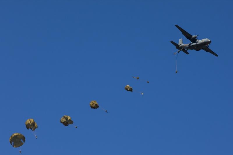 2e REP superbe diaporama de vol et saut en parachute _a5e0816