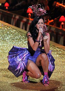 Victoria's Secret Fashion Show  044-pe10