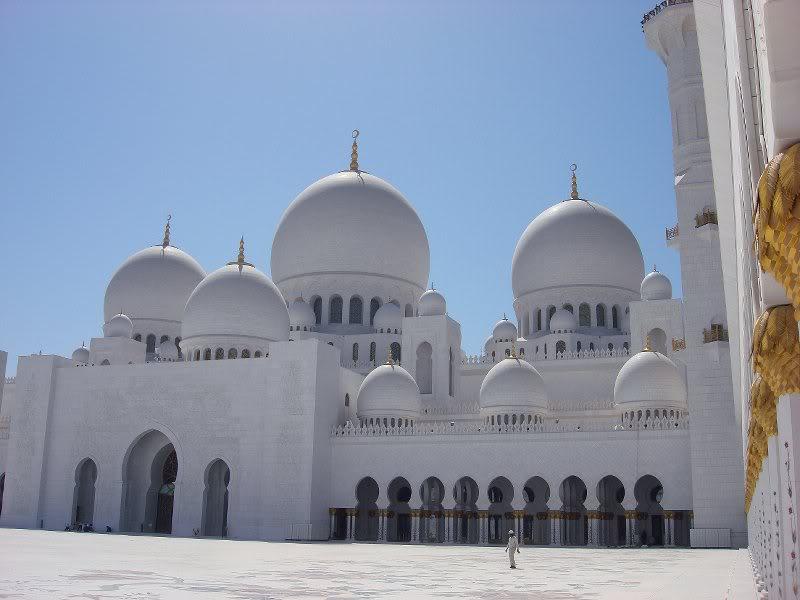 Sheikh Zayed Grand Mosque, Abu-Dhabi  - Page 2 29536910