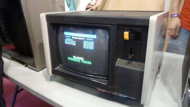 console/arcade étrange P1010010