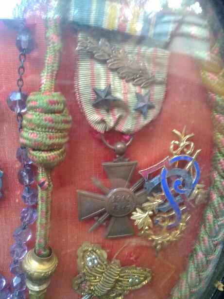 Insigne militaire ou breloque? 15825210