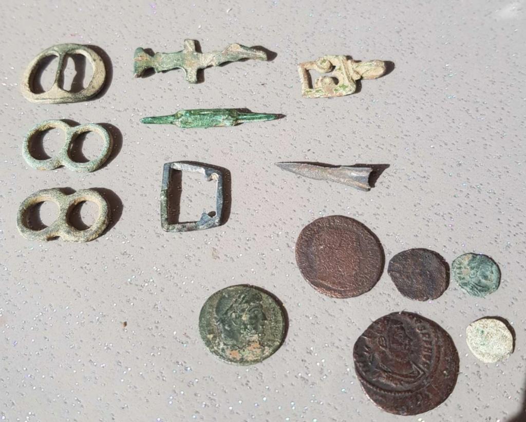Identification objets divers, médiévales ou romain? 20200238