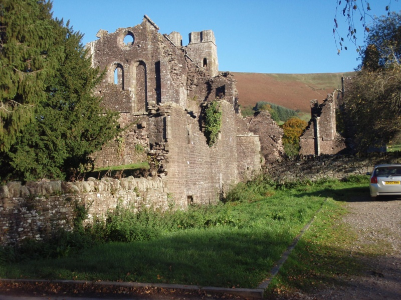 llanthony priory,abergavenny.at the foot of the skirrid mountain Llanth17
