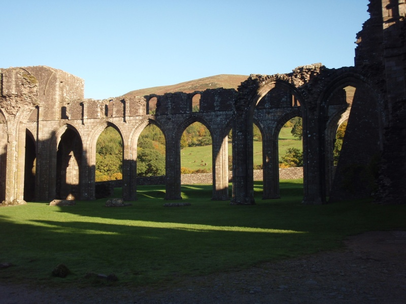 llanthony priory,abergavenny.at the foot of the skirrid mountain Llanth23