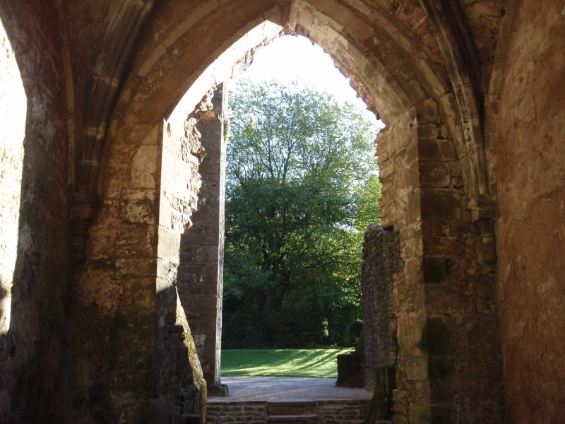llanthony priory,abergavenny.at the foot of the skirrid mountain Llanth24