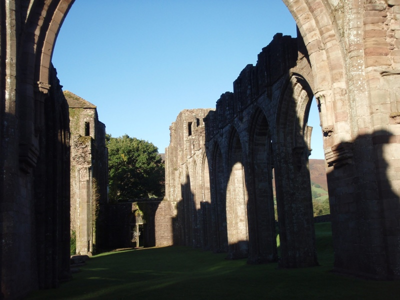 llanthony priory,abergavenny.at the foot of the skirrid mountain Llanth25