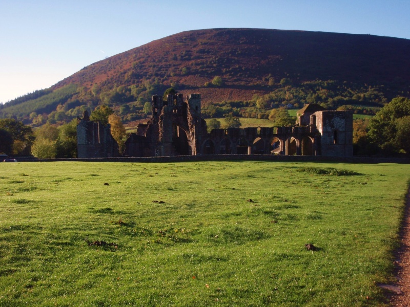 llanthony priory,abergavenny.at the foot of the skirrid mountain Llanth28