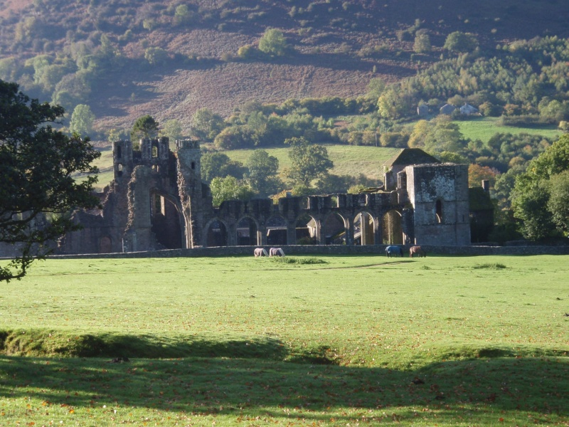 llanthony priory,abergavenny.at the foot of the skirrid mountain Llanth30