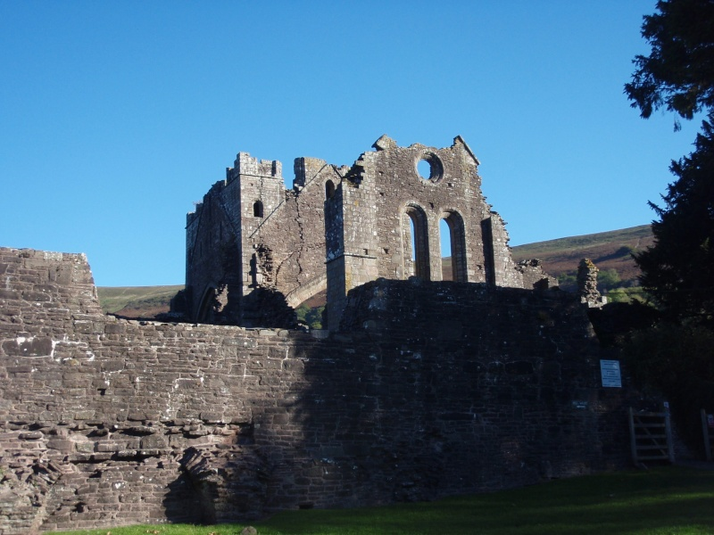 llanthony priory,abergavenny.at the foot of the skirrid mountain Llanth35