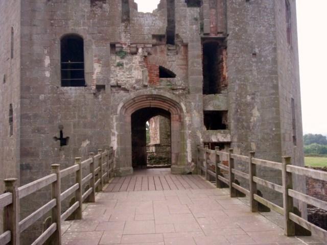 raglan castle P5252815