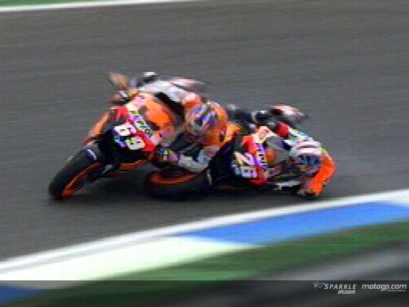 [MotoGP] Stoner VS Rossi! - Page 5 N3137710