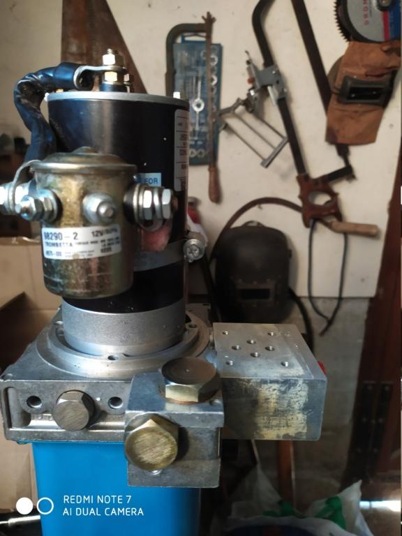 Remplacement d'un groupe hydraulique Img_2035