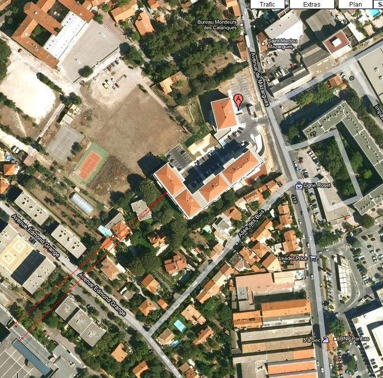 2010: Le 22/11 à 23h48 - boule lumineuse près aéroport Marignane (13) - Page 3 Maison10