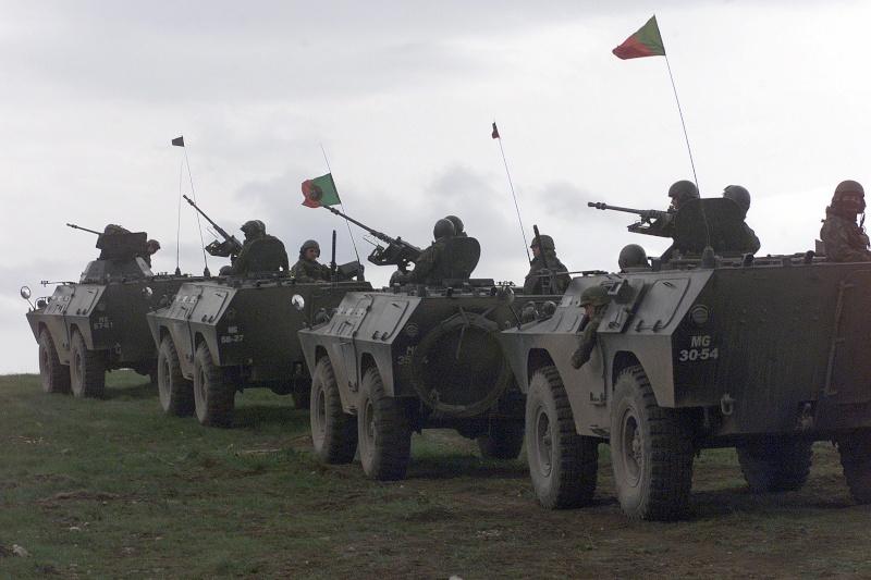 Forças Armadas Portuguesas/Portuguese Armed Forces - Page 3 Poa_ch10