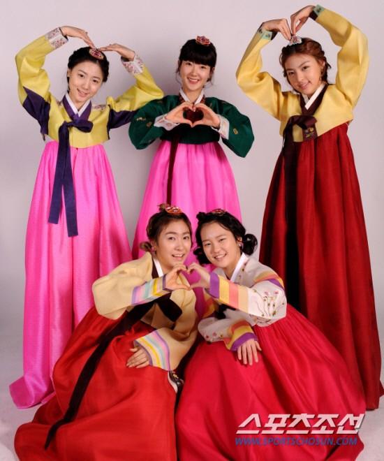 Les 5Dolls célébrent le Nouvel Ans Lunaire. 20110210