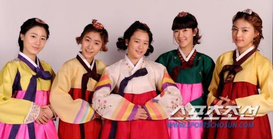 Les 5Dolls célébrent le Nouvel Ans Lunaire. 20110211