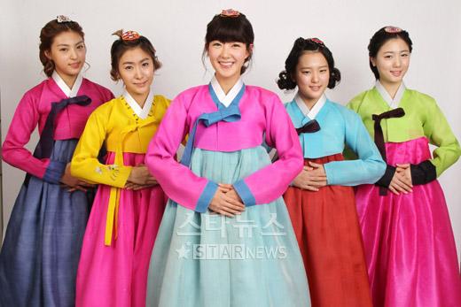 Les 5Dolls célébrent le Nouvel Ans Lunaire. 20110219