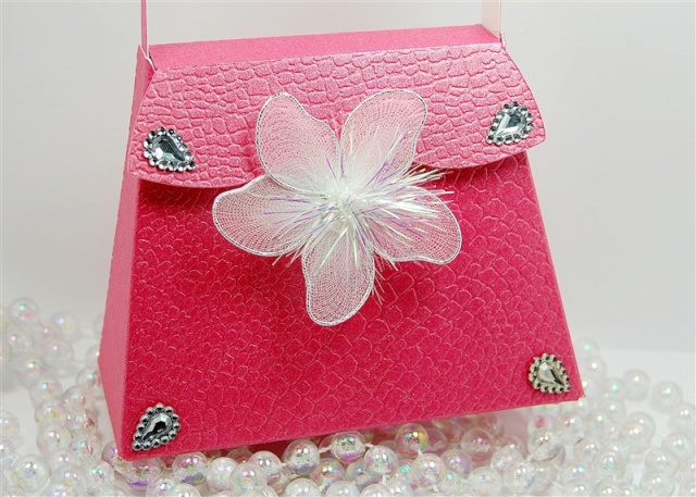 March 28th - Tips on making a Purse or box Close_10