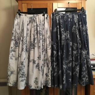 One Duvet Cover, Two Skirts Skirts10