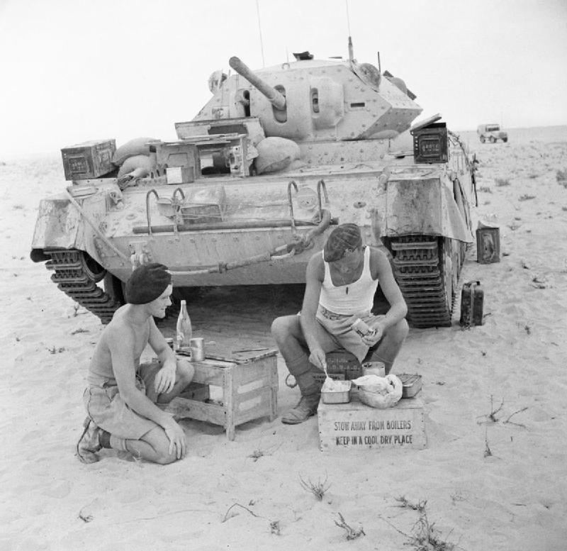 Diverses photos de la WWII - Page 4 100010