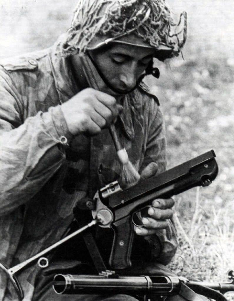 Diverses photos de la WWII - Page 38 100011
