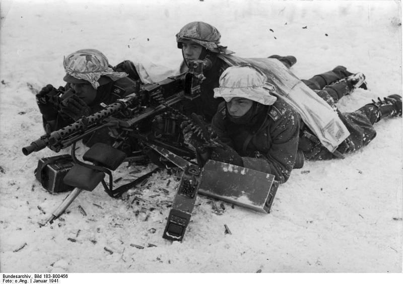 Diverses photos de la WWII - Page 38 100111