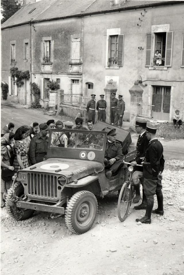 Diverses photos de la WWII - Page 2 100310