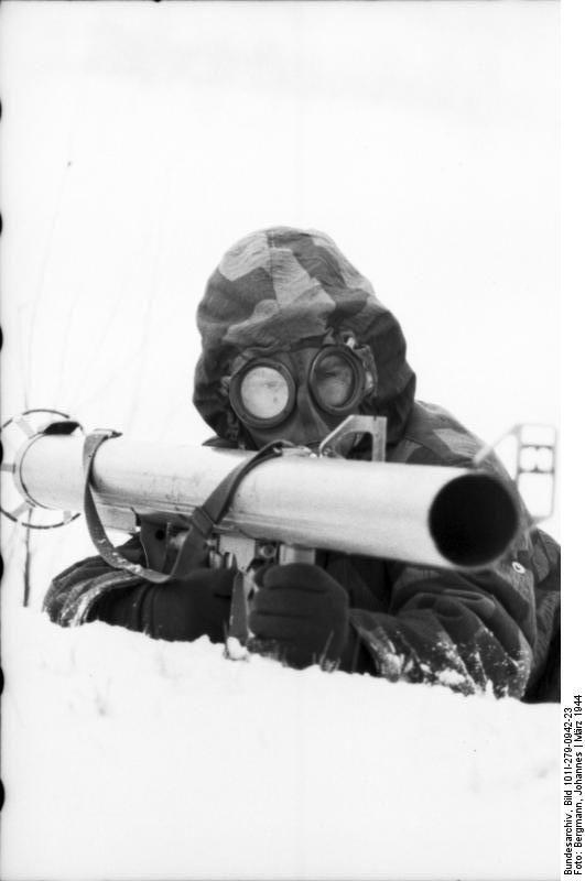 Diverses photos de la WWII - Page 38 100311
