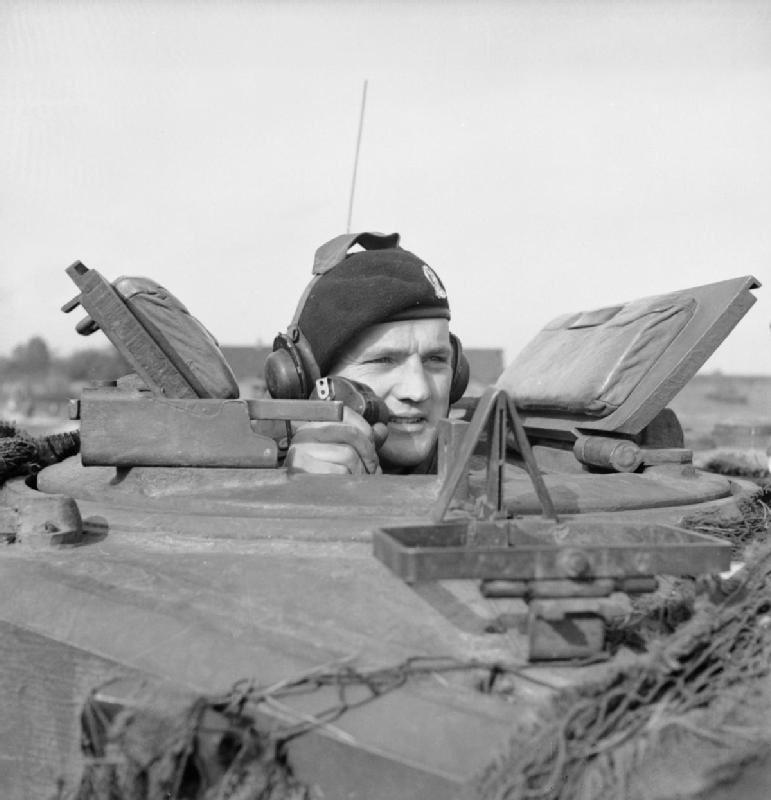 Diverses photos de la WWII - Page 38 100811